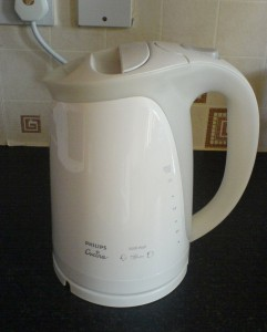 electric_kettle_phillips_white